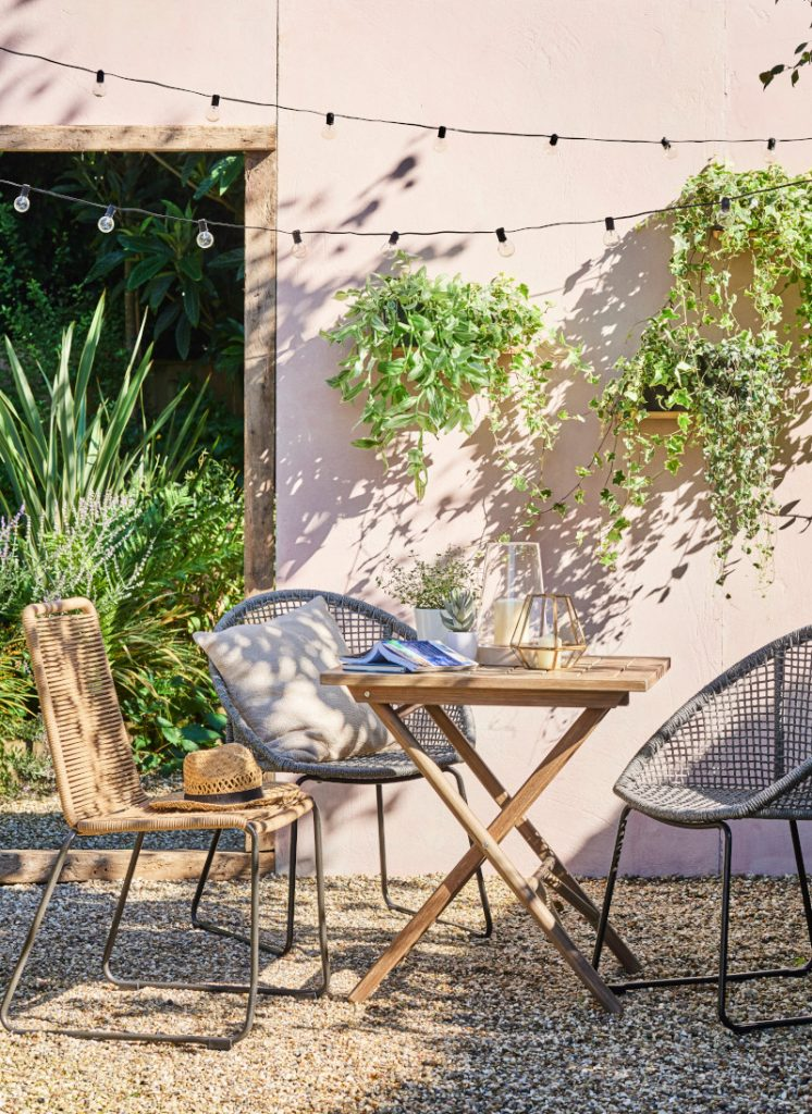 Debenhams Garden Furniture Advertising-Set Design